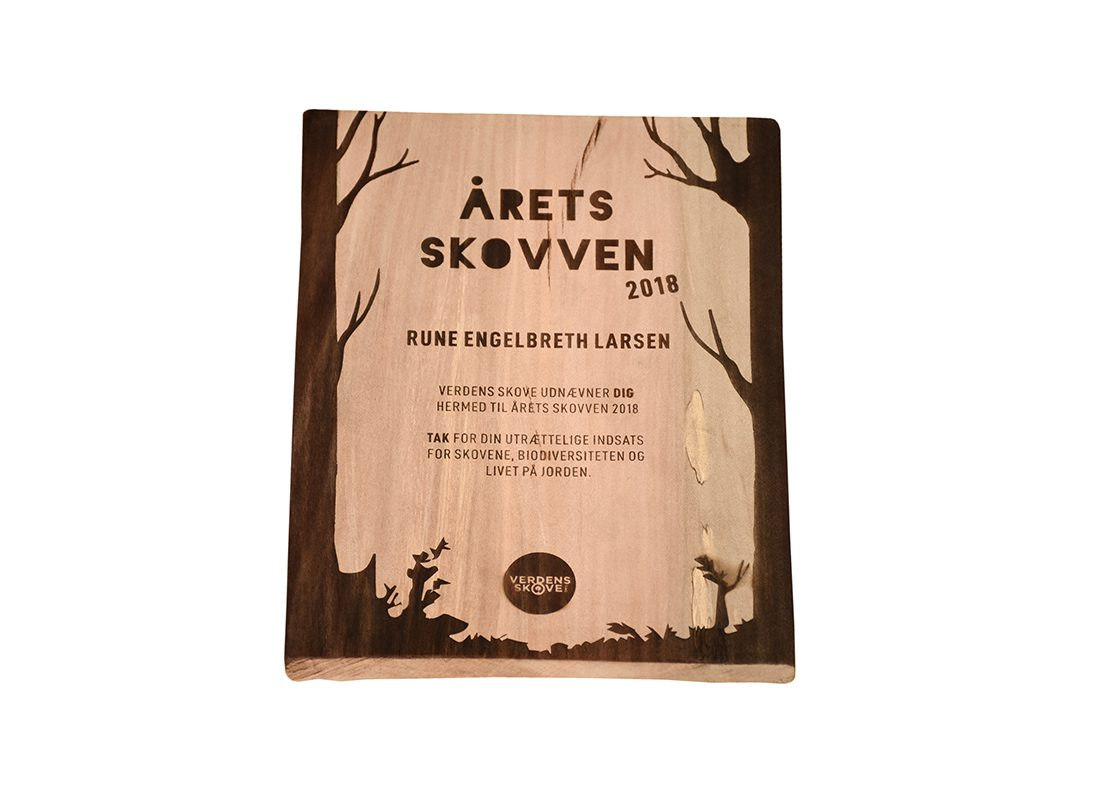 Award skilt i træ
