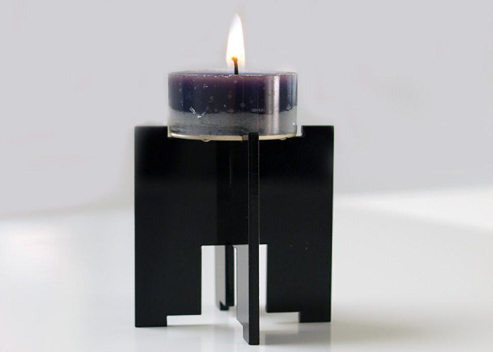 Laser skæring i sort akryl til lys