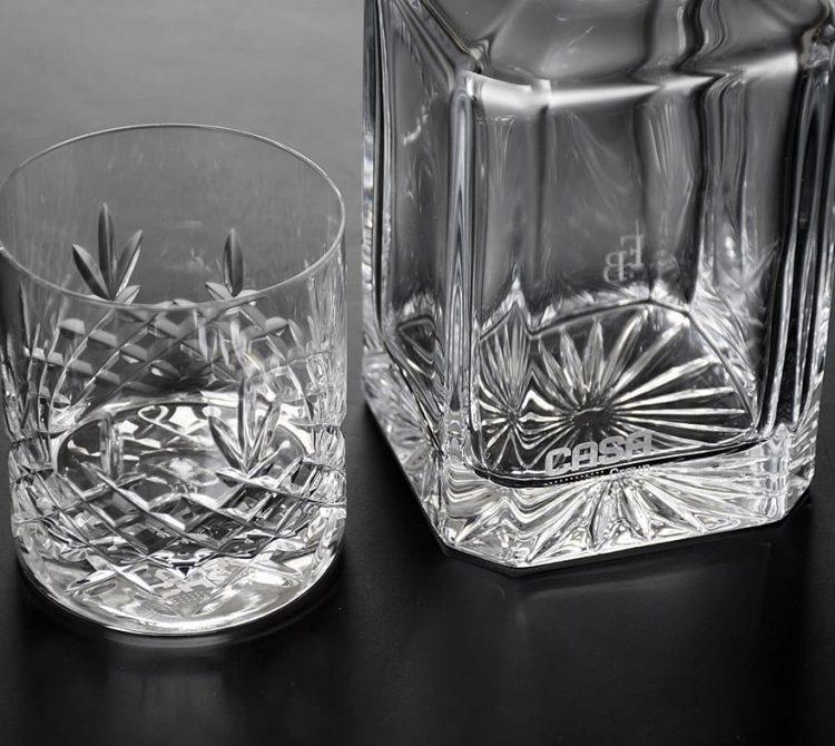 Gravering i glas vase og whiskyglas